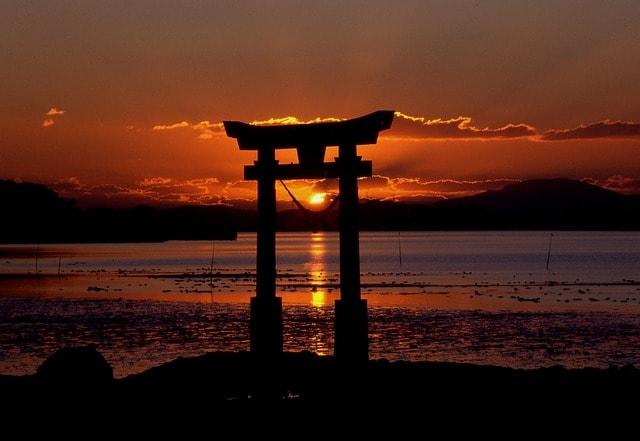 sunset-129503_640-min