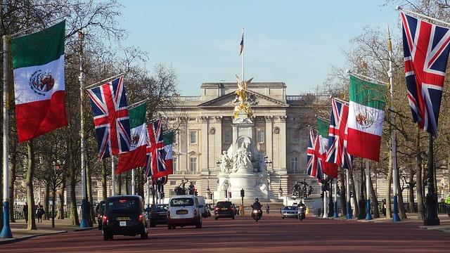 イギリスのEU離脱が決定、積立投資の基本戦略を確認する。