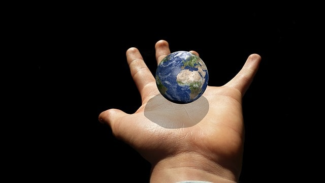 分散投資で世界経済の果実を得る。—金融庁の「金融レポート」を読んでみる(2)