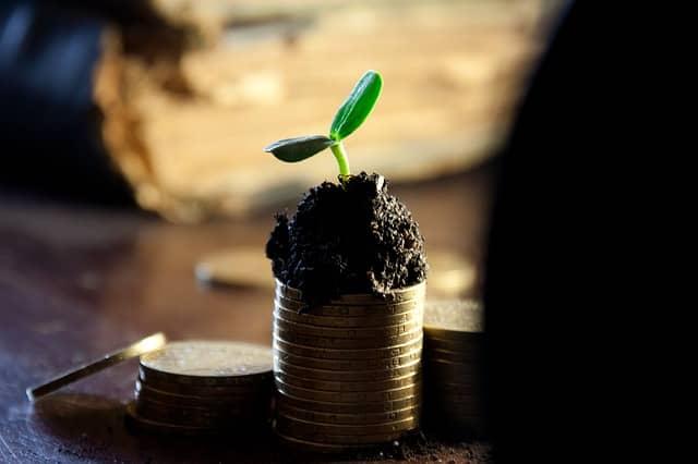 収入は、今使うお金と将来使うお金に分ける。